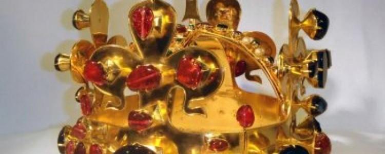 Spojte výlet do Prahy s návštěvou Obecního domu. Spatříte v něm Svatováclavskou korunu