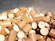 Topení pomocí dřevěných briket