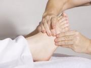 Péči o své nohy většina lidí zanedbává. Nedělejte stejnou chybu a obouvejte se zdravě!